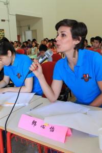 评委老师郎心怡为参赛学生们的朗诵进行点评