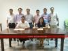 8 贾校长和李雪梅校长准备签署协议